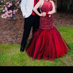 A red Sherri Hill Prom/ Pageant dress!!